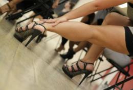 Абонемент на 4 занятия по стилетто – искусству красивой и изящной походки со скидкой 64%. Заплати 250 рублей вместо 700