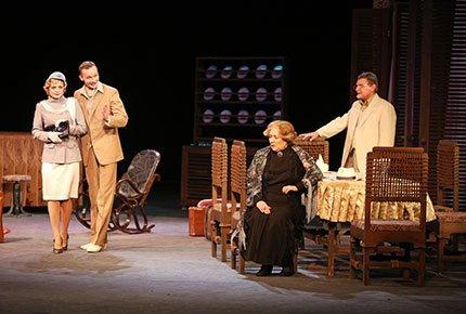 24 марта спектакль «Деревья умирают стоя» в «Театре драмы» со скидкой 50%