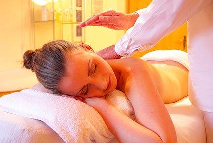 Профессиональный массаж в оздоровительном фито-центре «Прасковья» со скидкой 50%