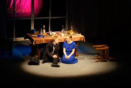 8 декабря спектакль в театре «Версия». Два билета со скидкой 50%