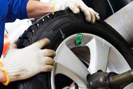 Шиномонтаж + бесплатная диагностика ходовой части автомобиля на Клюева со скидкой 50%