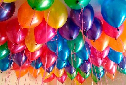 Воздушные шарики со скидкой 50% в мастерской цветов «Клевер» на Гагарина