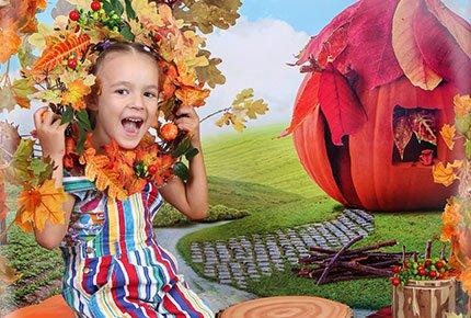 Детская фотосессия «Оранжевое настроение» со скидкой 50% в фотостудии «Три кадра»