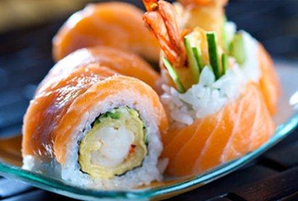 Скидка 50% на наборы роллов и чизкейк от O'key sushi