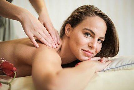 Тайский массаж тела и китайский Гуаша массаж лица со скидкой 50% от йога-центра «Саттва»