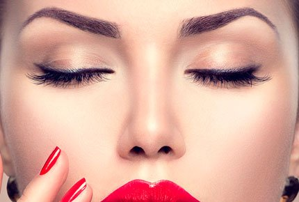 Перманентный макияж губ,бровей и межресничного лайнера со скидкой 50% в студии Олеси Рябовой