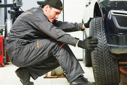 Сезонная переобувка на Каштаке в автокомплексе FreshOil со скидкой 50%