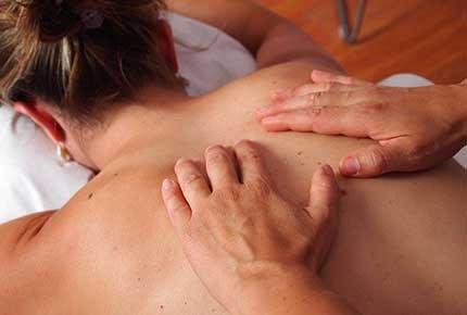 Релакс-массаж всего тела и еще семь видов массажа со скидкой 50% в салоне красоты на Иркутском