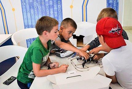 С 3 по 8 января   новогодние мастер-классы со скидкой 50% в федеральной сети детских технопарков «Кванториум»