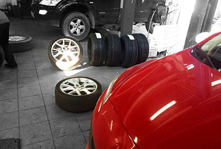Шиномонтаж и балансировка в автосервисе «Магистраль-Авто» со скидкой до 50%
