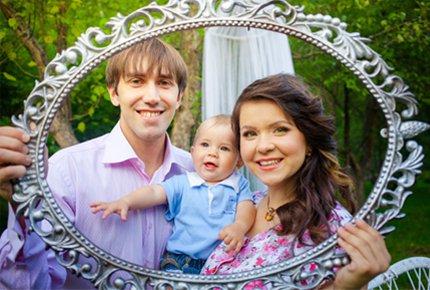 Семейная фотосессия от студии Дмитрия Карпушева со скидкой 60%. Заплати 1200 рублей вместо 3000!