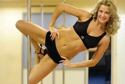 Разовое занятие в студии танца и фитнеса на пилоне «НеОн» со скидкой 83%. Заплати 50 руб вместо 300!