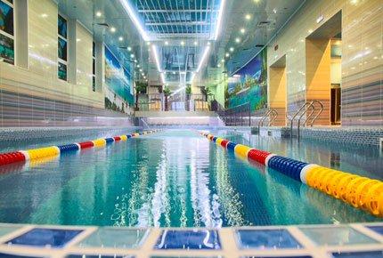 Два часа в новом бассейне «Нептун» на Каштаке со скидкой 50%