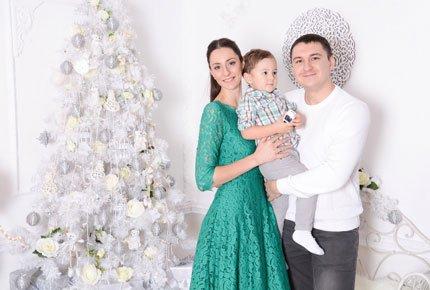 Новогодняя фотосессия в студии «Family» со скидкой 60%. Заплатите 1200 рублей вместо 3000