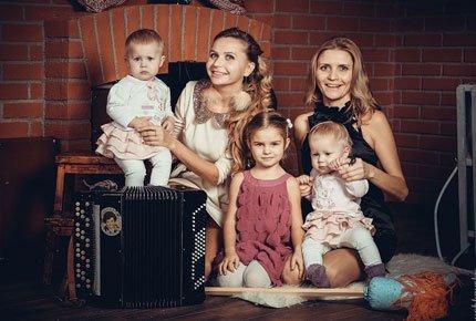 Персональная, семейная и детская фотосессия от студии ZOOM со скидкой 56%. Заплати 1300 рублей вместо 3000