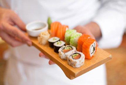 Мастер-класс по приготовлению суши со скидкой 50%. Заплати 350 рублей вместо 700!