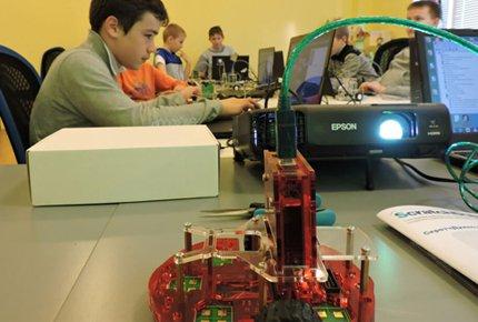 Робототехника - это просто! Набор в детские группы со скидкой 80%. Месяц обучения за 400 рублей!