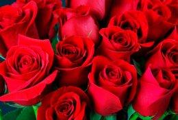 Букеты из роз или хризантем в крафте со скидкой 50% от салона Green Park