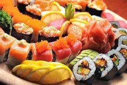 Скидка 50% на суши и роллы ресторана доставки «Царь Рыба»