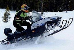 Прокат снегоходов и катание на плюшке на Сенной Курье со скидкой 50%